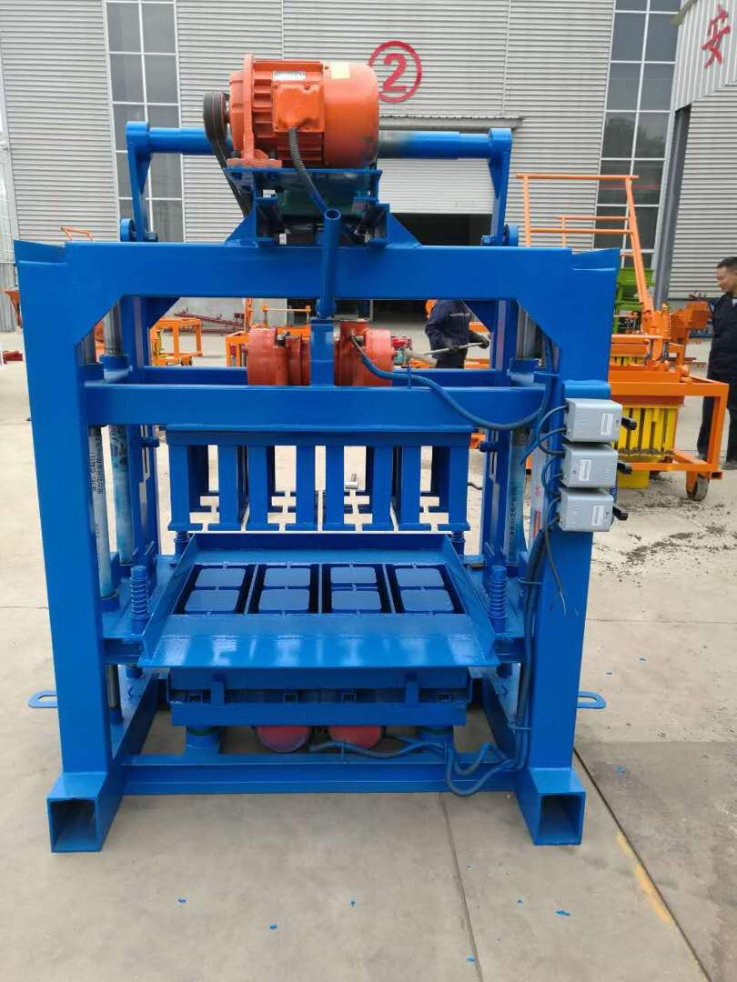Easy control block and brick machine